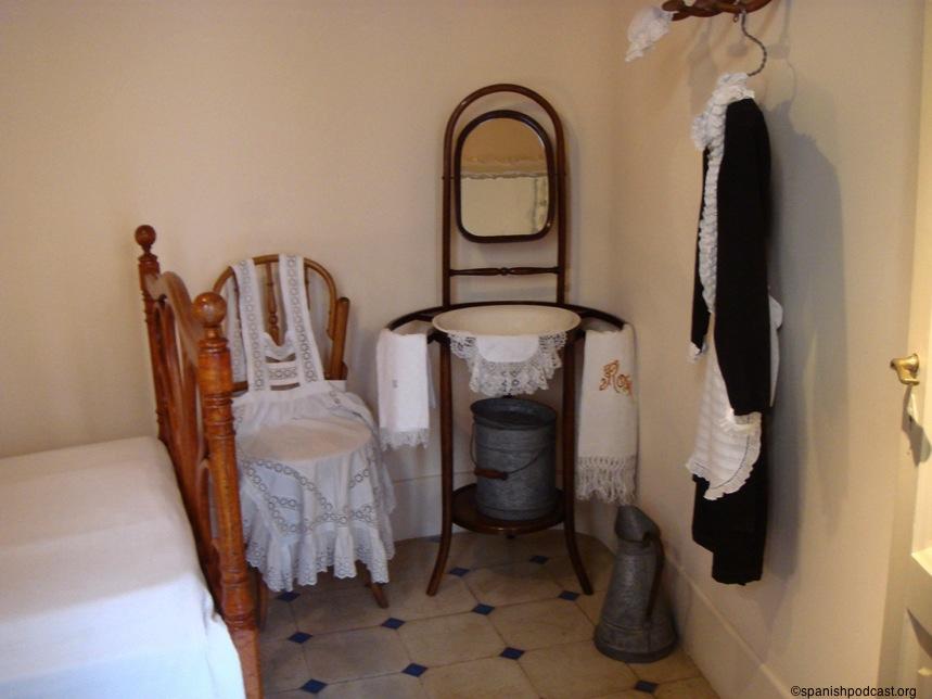 En el cuarto de maria camacho - 5 5
