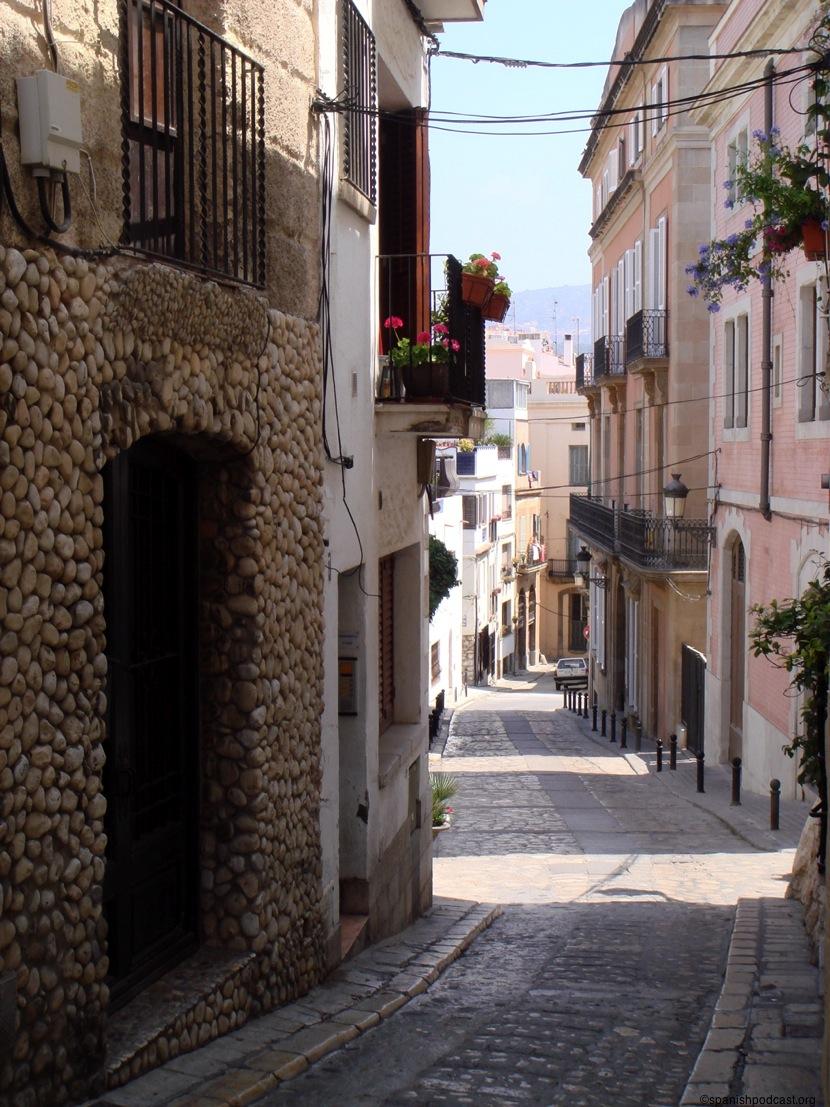 Calles estrechas que bajan al mar - Fotos de sitges barcelona ...